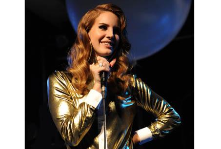 Lana Del Rey 会唱歌会创作三栖时尚新宠儿