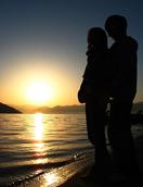 到海邊看末日前的日出