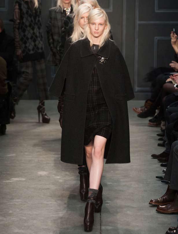 Vera Wang的黑色驚喜!  頹廢與優雅的禮服新輪廓