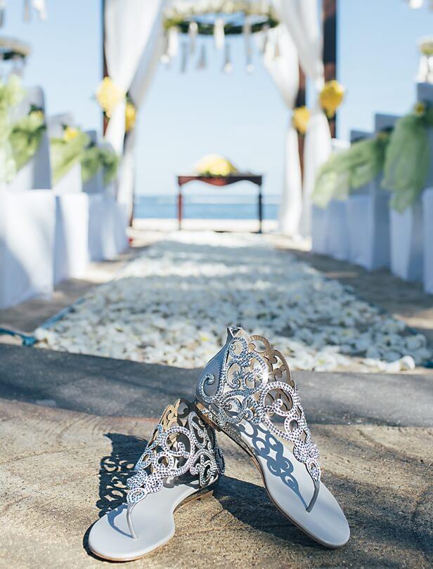 美麗新娘致勝關鍵!RENE CAOVILLA夢幻鑽砂婚鞋