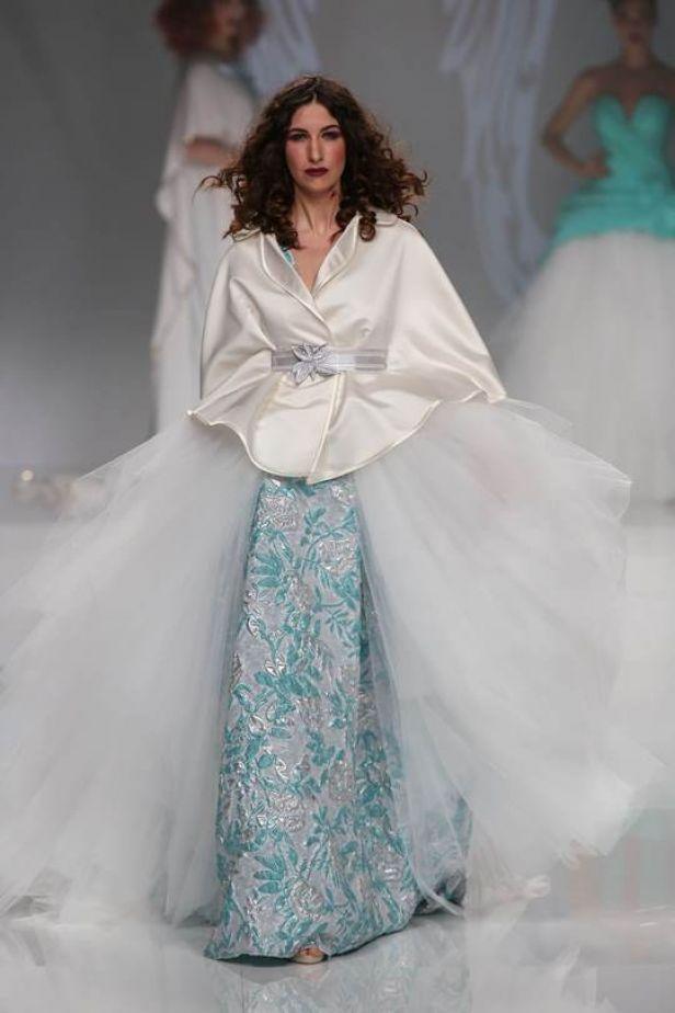 來點加強版的婚紗選項,如何?