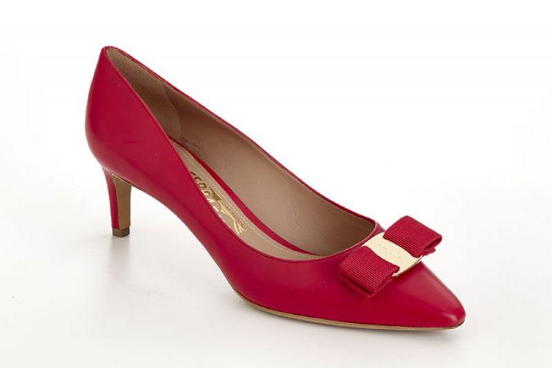 Vara Chic系列紅色牛皮低跟鞋NT$24,900