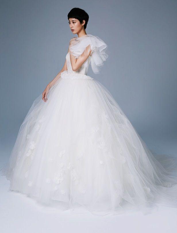 打造19世紀末宮廷婚紗風!9套維多利亞時期公主婚紗這樣穿