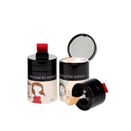 粉底液、遮瑕膏、打亮霜3合1,只要一盒,就可以打造立體輪廓。以底層的BB霜打底,在有需要遮瑕的部位,使用適量遮瑕輕點在臉上,打亮霜則可使用於T字部位。