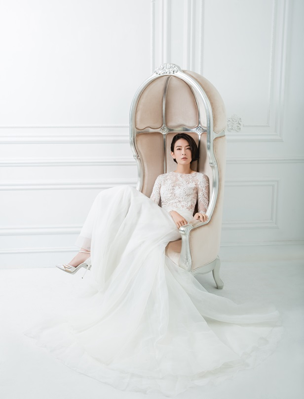 手工訂製、褲裝婚紗都能輕鬆駕馭!劉欣瑜婚前試裝必選時髦款