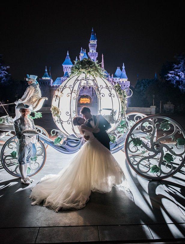 完成一場新娘的迪士尼城堡婚禮夢!南瓜馬車、壞皇后婚紗、美女與野