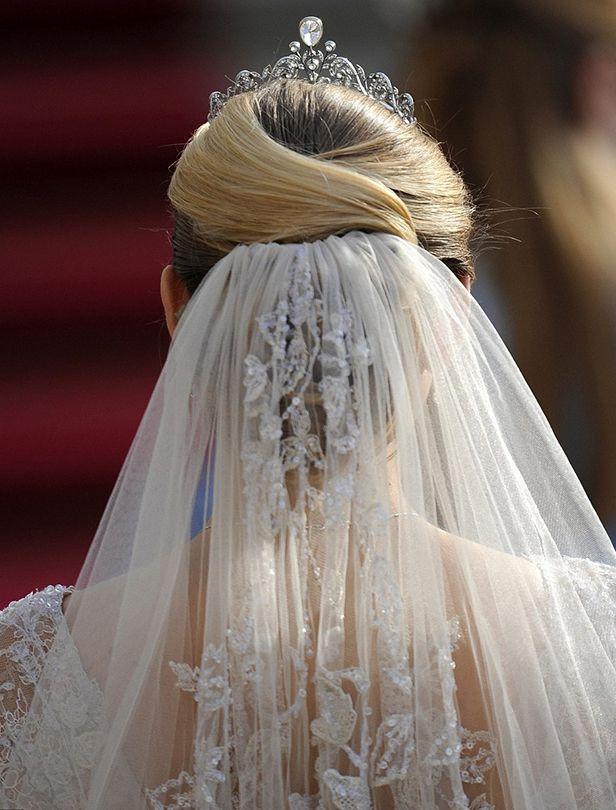 向真正的皇室學習!婚紗挑選指南:真正的公主大婚服裝具備要素大公