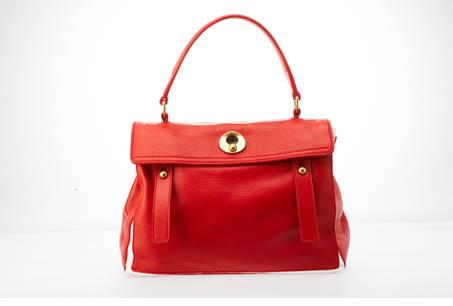 YSL 紅色小羊皮提包,NT46,000