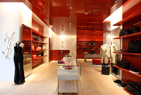 Yves Saint Laurent台中廣三SOGO「OPIUM」概念店店裝風景