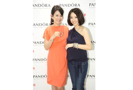 殷悅Melody與PANDORA品牌總監黃庭姍Daniella,同樣散發貴氣與幸福光采。