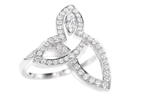 HARRY WINSTON「Lily Cluster」系列/鑽石戒環,NT226,000。