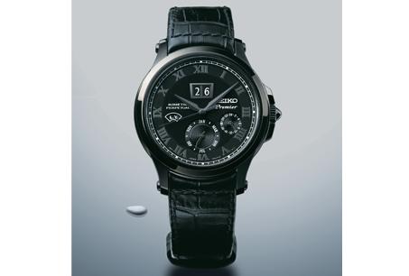 130週年紀念SEIKO「Premier」系列/人動電能萬年曆腕錶,NT NT24,500。