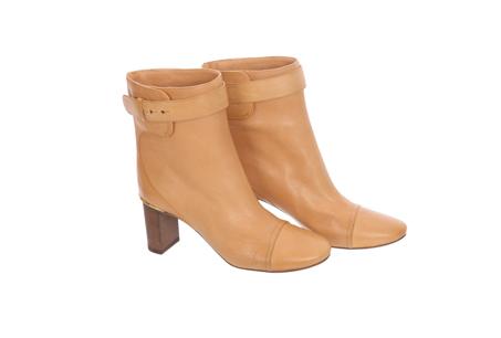 奶茶色小牛皮高跟踝靴 NT26400