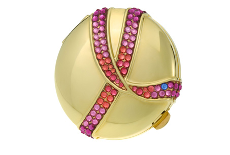 雅詩蘭黛粉紅絲帶紀念金質粉餅NT3,000