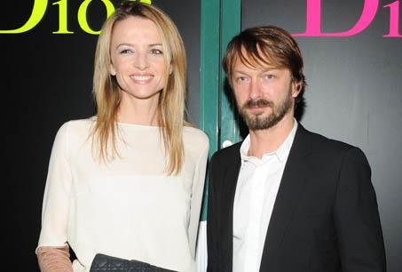 Dior 的副總監Delphine Arnault與德國藝術家Anselm Reyle合影。