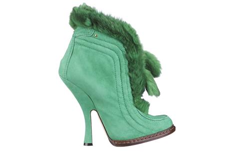 綠色麂皮兔毛滾邊短靴,Dior 。