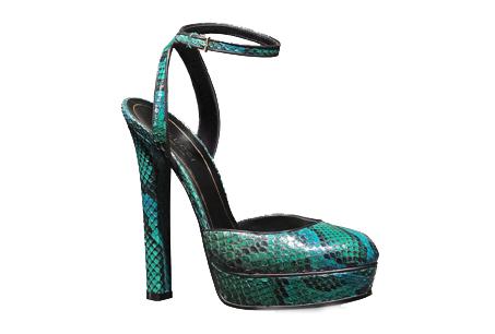 蟒蛇皮厚底高跟鞋,GUCCI,NT$40,700。