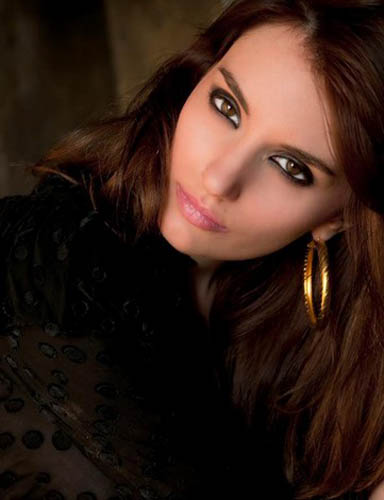 Anna Utopia Giordano不僅是位藝術家,同時還擁有演員和模特兒身分。