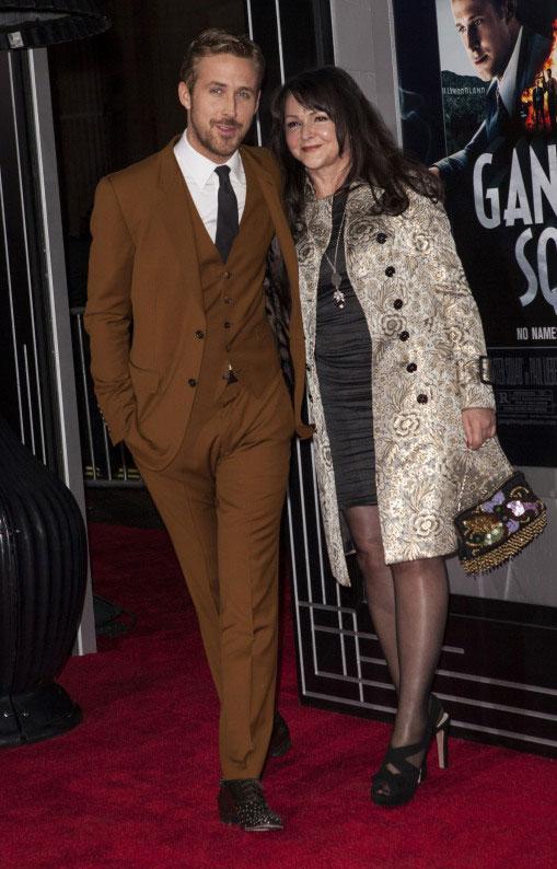 Ryan Gosling與母親Donna一同出席《風雲男人幫》的電影首映會