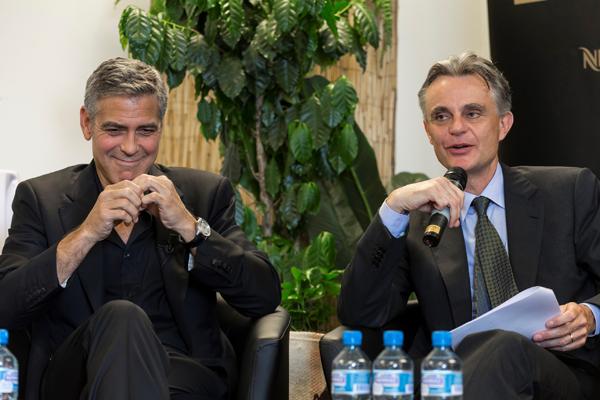 Nespresso NSAB_(左)George Clooney (右)Nespresso執行長 Jean- Marc Duvoisin