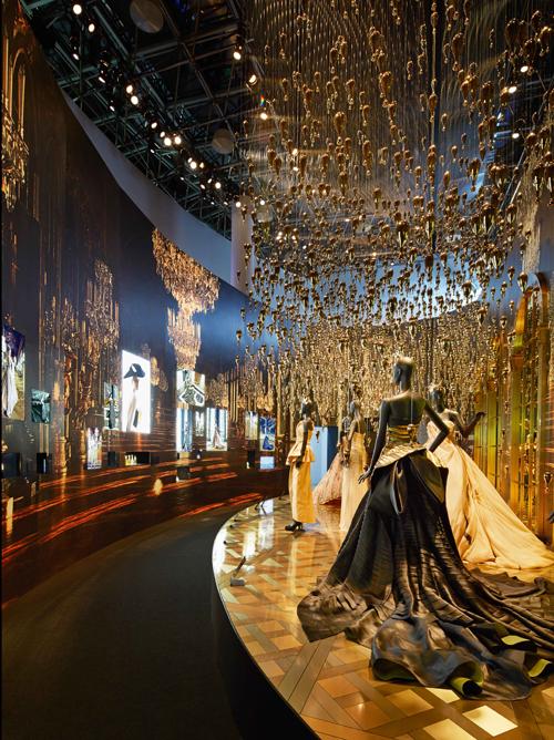 結合經典之最與現代藝術之美的時尚饗宴