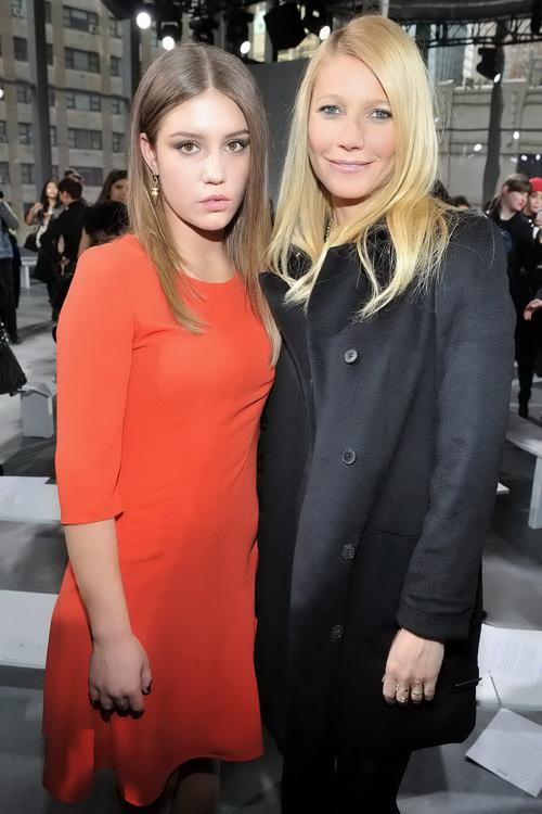 艾黛兒伊薩卡普洛斯和葛妮絲派特洛 都前往紐約時裝周欣賞BOSS大秀