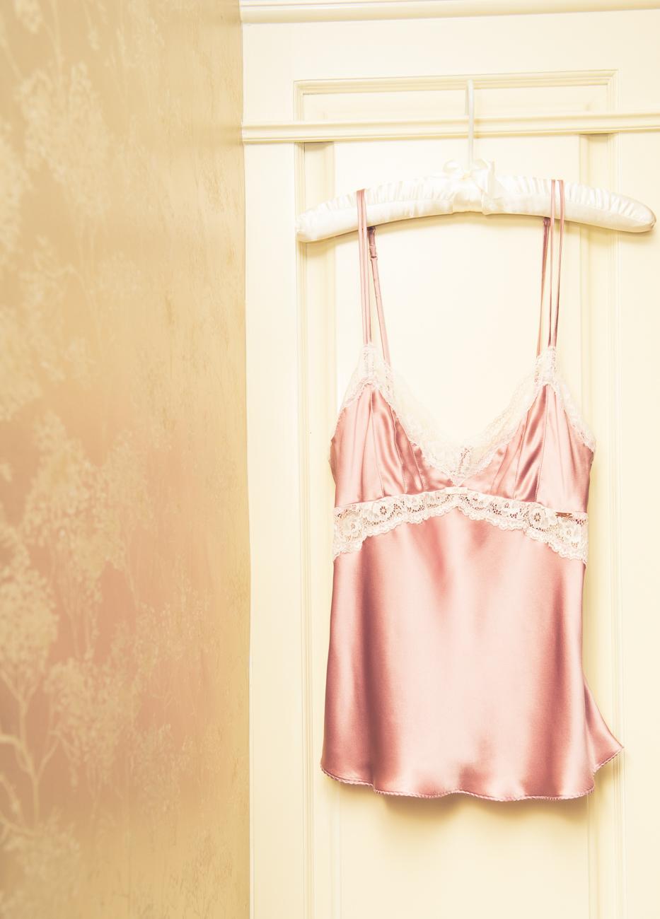 Rosie Huntington為英國老牌商店Marks&Spence所設計的性感內衣系列。