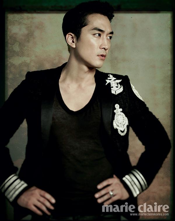 宋承憲與林智妍主演的影片《人間中毒》,5月14日首日上映就稱霸票房,該片是宋承憲出道以來首次接拍大尺度情色片。