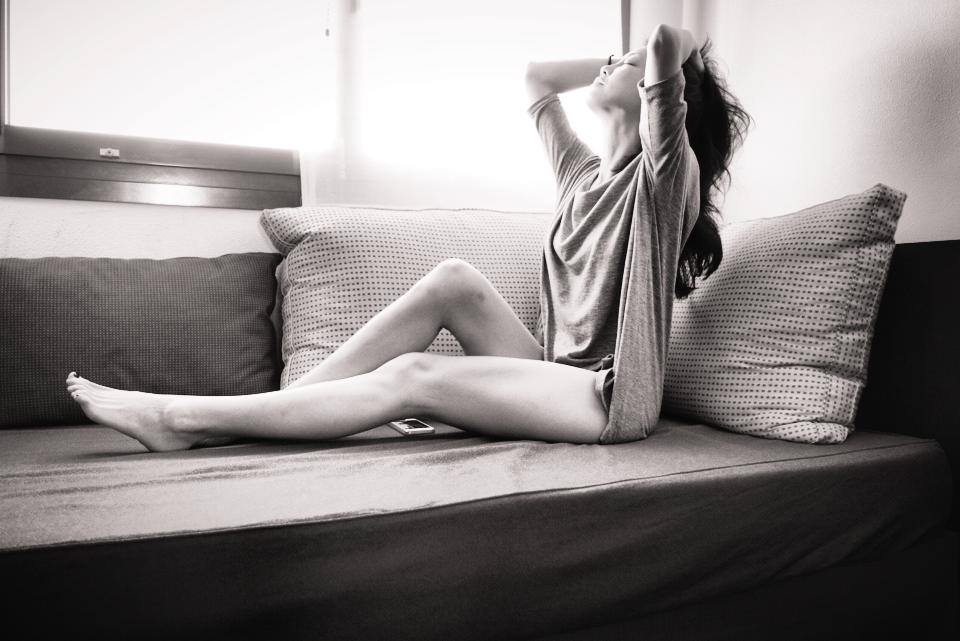 你幾乎不會遇到女演員大膽承認自己的男友,或是侃侃而談自己與好友喝醉的經驗,但欣穎不是這樣,她不覺得自己的工作需要隱瞞,反而希望大眾看見真實的她。