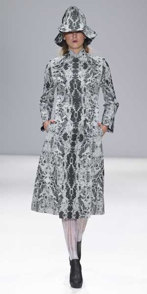 ApuJan-今年二月於倫敦時裝周