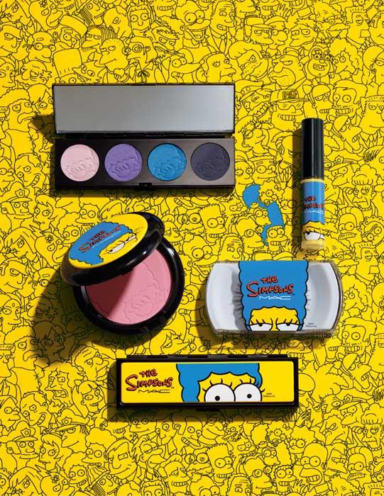 美妝跨界合作出了名的m.a.c,幫然也搶跟辛普森合作,以妖嬌媽媽美枝Marge為主角,推出一系列商品,包含腮紅、眼影、假睫毛~樣樣都俏皮翻了,但幸好腮紅眼影不是黃色。