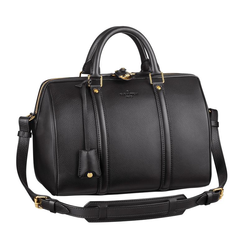 黑色手提肩背包,Louis Vuitton,NT153,000。