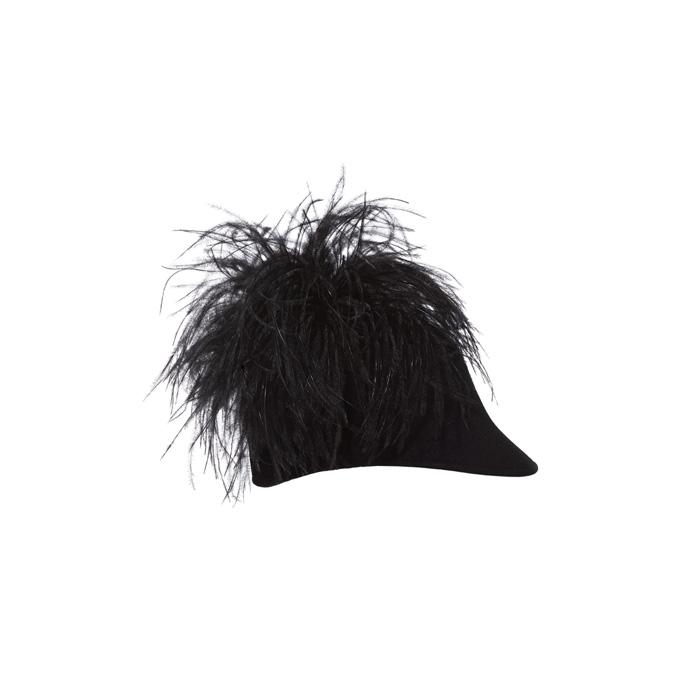 皮草裝飾鴨舌帽,Lanvin。