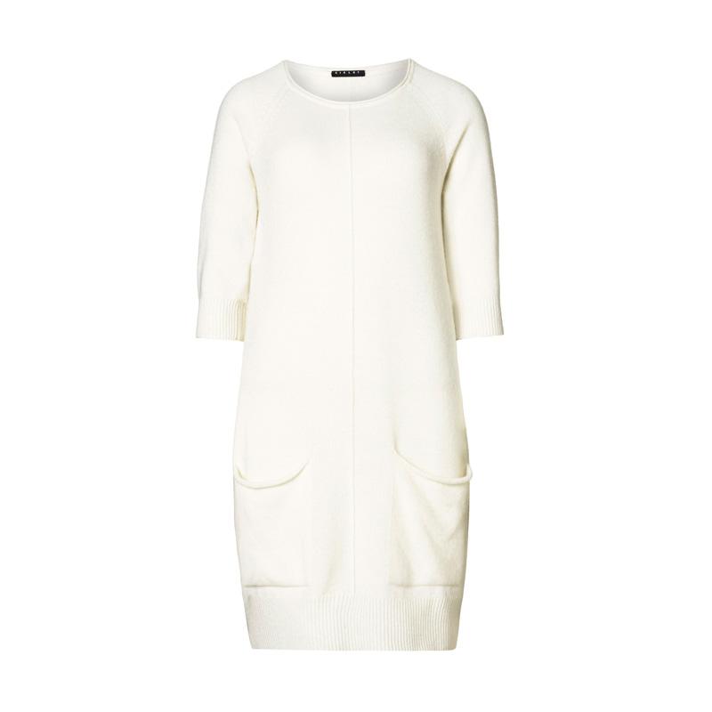 白色毛衣洋裝,Sisley,NT4,980。