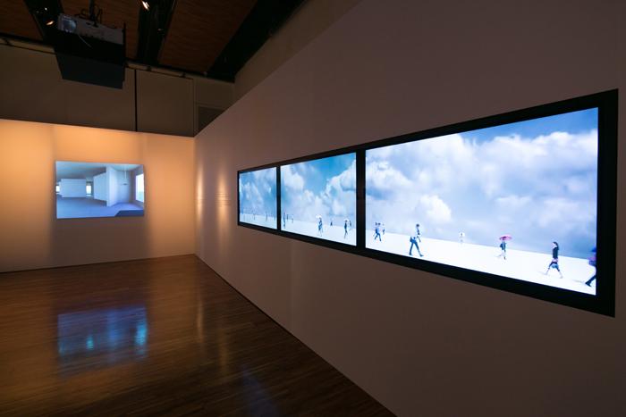 展覽最後的展區為藝術家陳萬仁先生與林昆穎先生藉由影像來談論時間的流動。作品「無意識航行」- 透過投影將獨立存在的物像個體反覆播送,表達永恆的時間。而作品「每日清晨的遺忘」則藉由繪畫以及光影的變化傳達時間的流動。