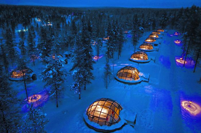 宛若童話世界中才會有的玻璃小屋,虛幻的極光絕景,讓冰屋村被評為2014年最夢幻的旅遊景點之一