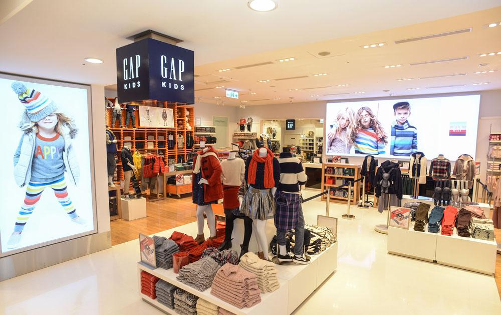 Gap新竹店占地近300坪新店設計風格與品牌美國門店一致,乾淨明亮,格局分明