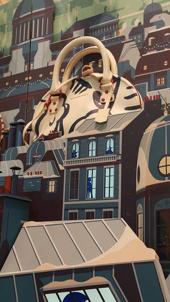 巴黎春天百貨與Burberry合作陳列耶誕氣息濃厚的櫥窗