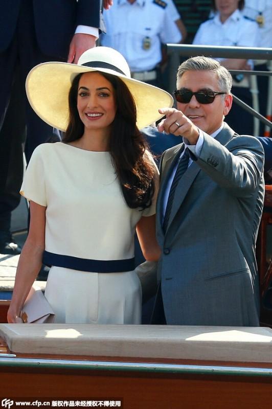 """【喬治•克隆尼George Clooney、Amal Alamuddin 】在還沒有成為喬治•克隆尼的未婚妻之前,人們並不知道這位Amal Alamuddin魅力何在,畢竟在大多數人的認知裡,""""律政佳人""""只是存在於電影中的美麗幻象——現實生活裡的女律師,有"""