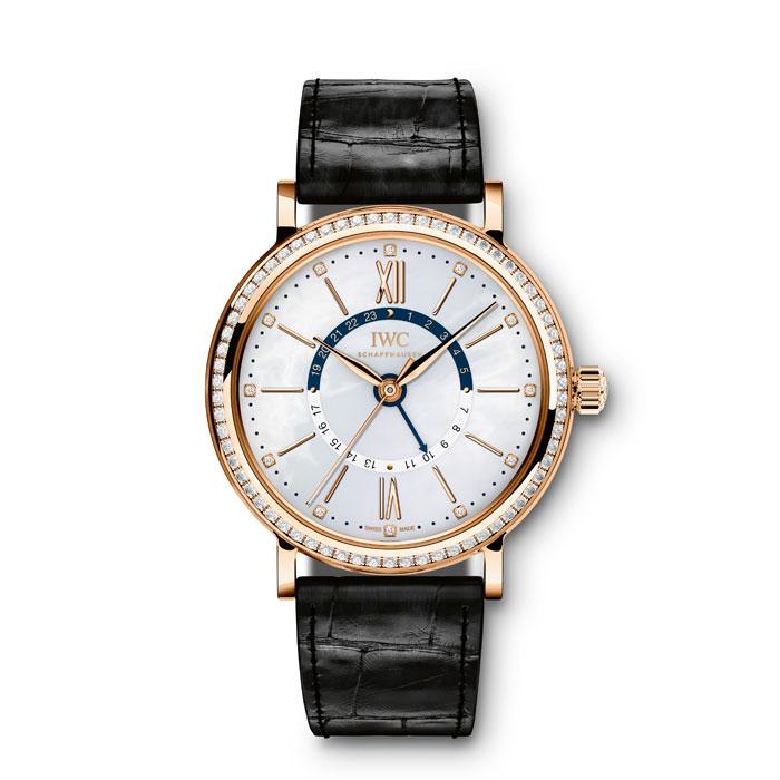 在全新的柏濤菲諾中裝系列錶款當中,見得到許多七○年代錶款設計元素,好比是大量珍珠母貝的運用,或是鑲鑽的安排,都是最具象的風格體現。