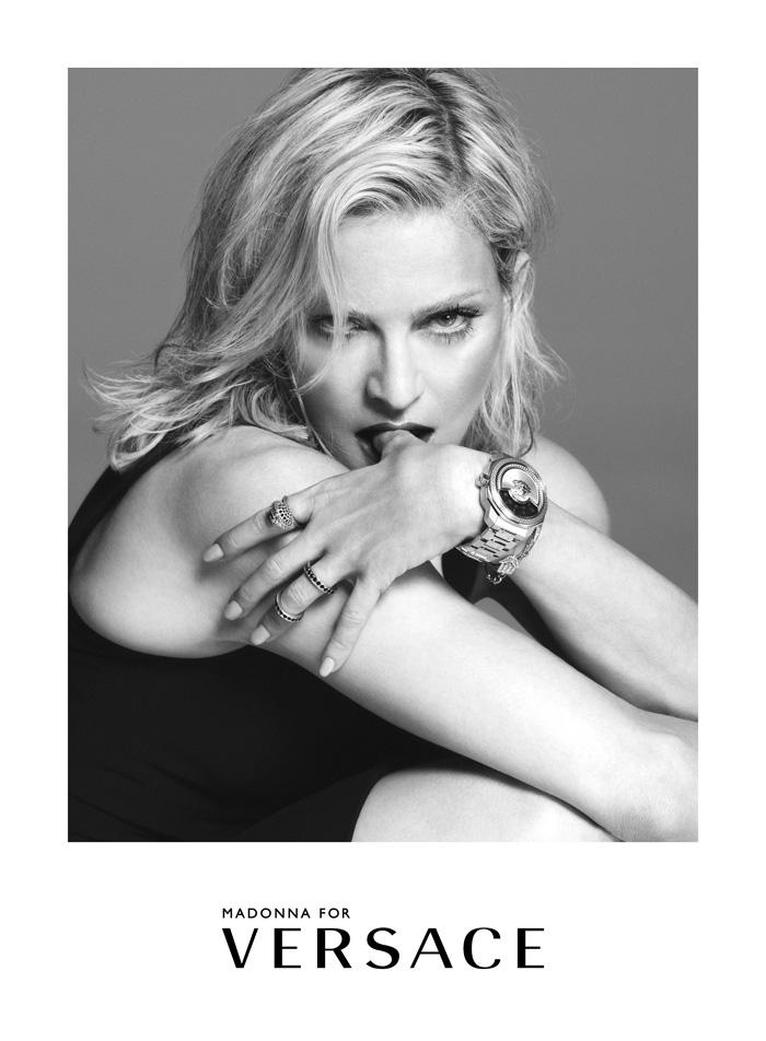 重量級巨星瑪丹娜MADONNA霸氣擔任VERSACE 2015春夏廣告主角