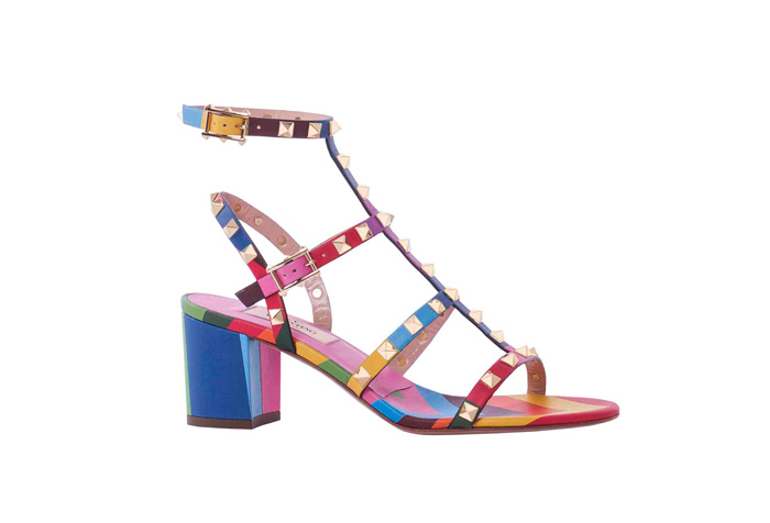 VALENTINO GARAVANI 撞色鉚釘裝飾粗高涼鞋 NT$38,200