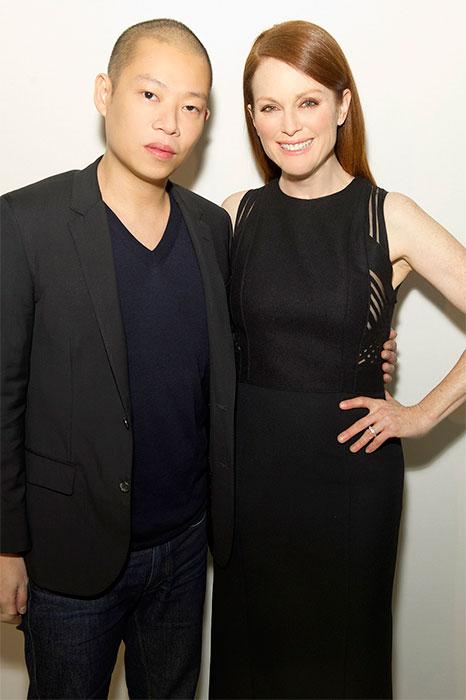 BOSS 2015秋冬紐約時裝週-BOSS女裝藝術總監Jason Wu和金球獎影后Julianne Moore(茱莉安摩爾)