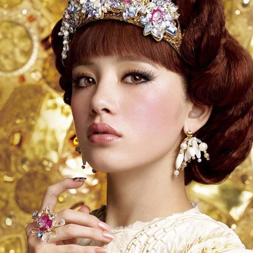震撼睫毛界!戀愛魔鏡超濃翹女王睫毛膏刷出妳的女王範