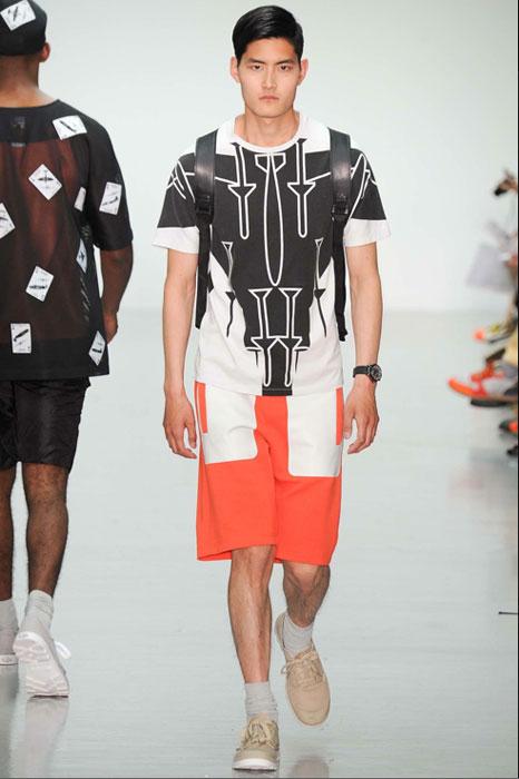 Christopher Raeburn 2015 SS 灰色圖騰T-shirt NT$5,980 by onefifteen 初衣食午