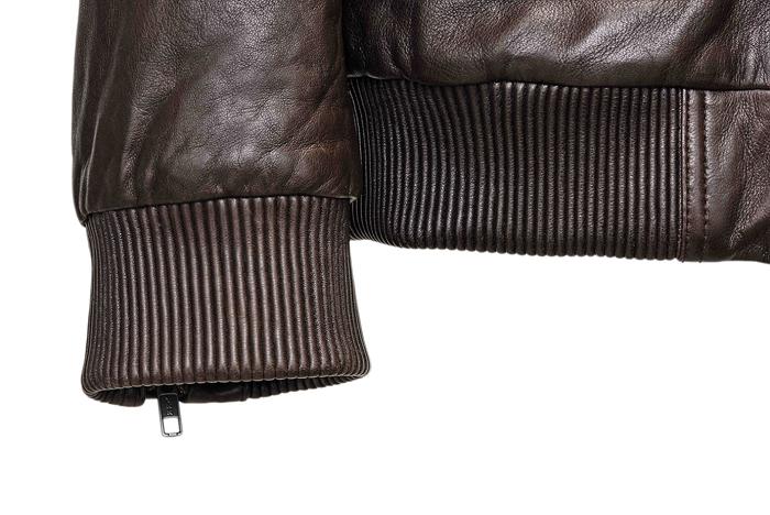 BOSS推出限量版皮衣,袖口細節採用防風縮口設計