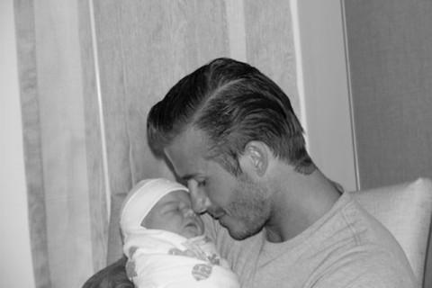 2011年萬眾期待的超萌么女Harper Beckham
