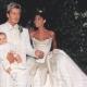 David Beckham 與 Victoria Beckham(1999) 四個月大的長子Brooklyn Beckham也參與父母親重要的結婚典禮