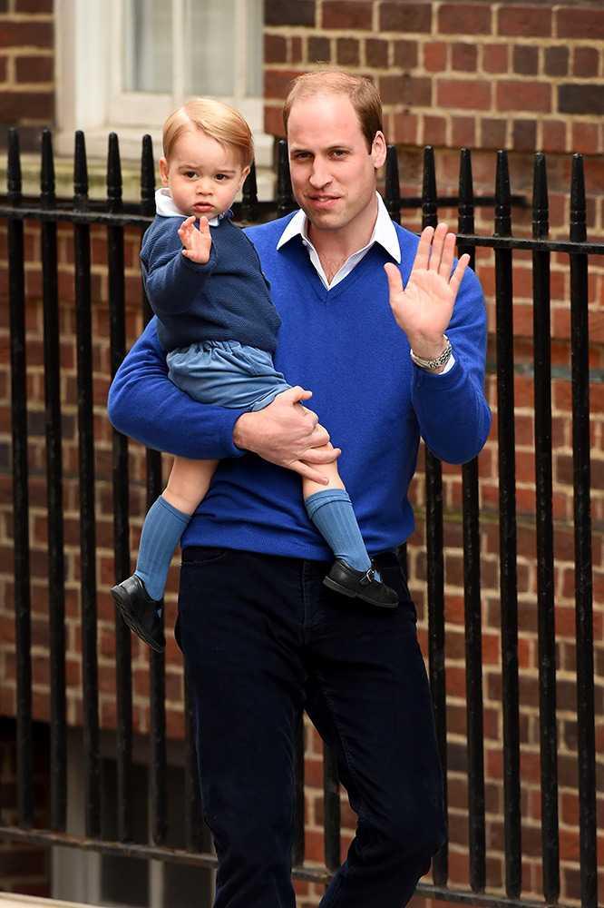 小公主出世後,爸爸威廉王子也帶著小哥哥George探望妹妹。