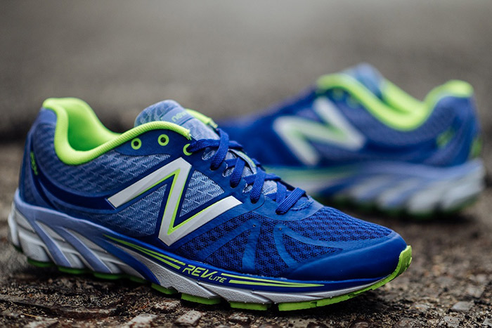 流線型的色彩設計,搶眼亮色的搭配,適合追求速度感的年輕跑者